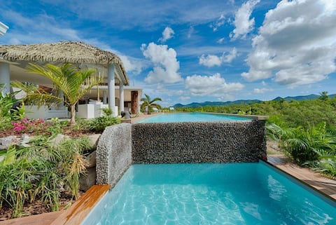 Bahia Blue 4 bedroom Upscale Villa - Price also available for 3 bedrooms