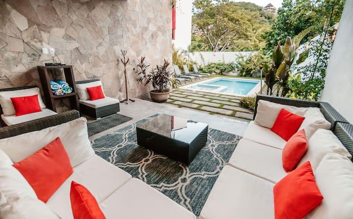 Superhost Luxury Villa - Golf Cart - Pool - Beach