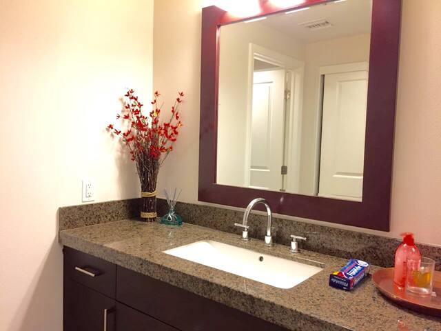 Superior 2King Bed 蒙市高級酒店式房間2房超大床全套租 - Monterey Park - Apartment