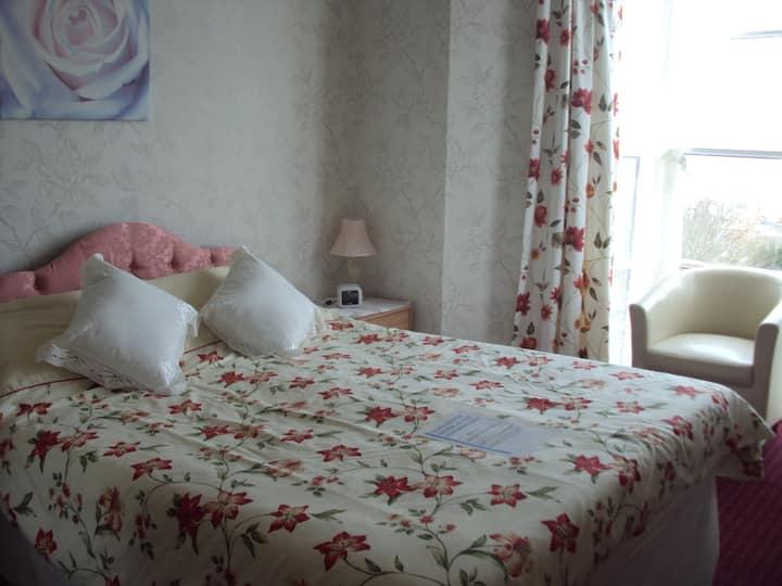 GlenDevon, Double Ensuite Room / Seaview,  B/fast