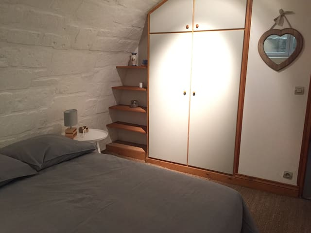 Chambre cocooning, troglodyte