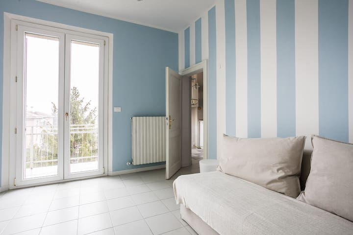 Saragozza Apartment 2: Bright and central flat - Bologna - Hus