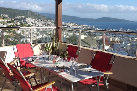 Villa with panoramic views of Bodrum Bay