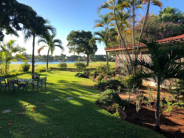 Casa de Campo Tropical Golf Villa-Lake/Links View