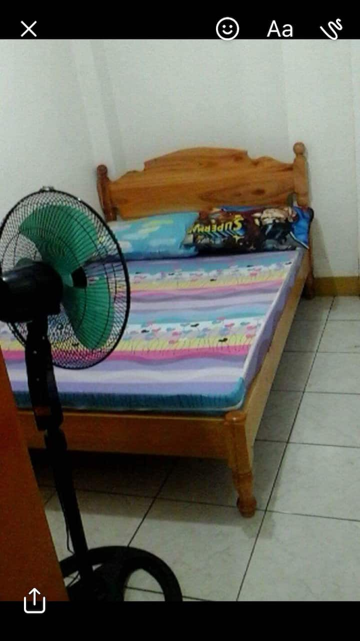 Cj&k Baguio lodge- bachelors room good for 2 pax