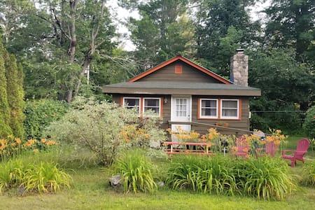 Adirondack Green 2 bedroom Cabin