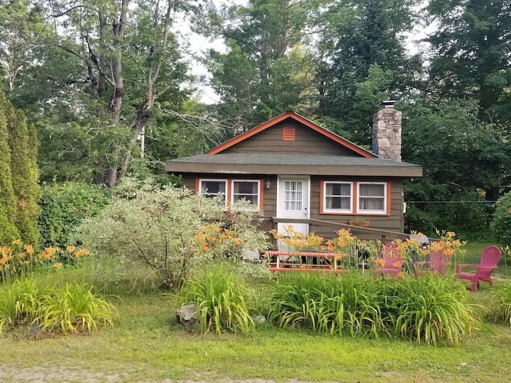 Adirondack Green 2 bedroom Cabin
