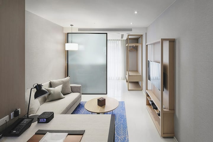 The Corner Suite\角隅套房\コーナールーム(角部屋)\MRT 3 min 地鐵3分鐘