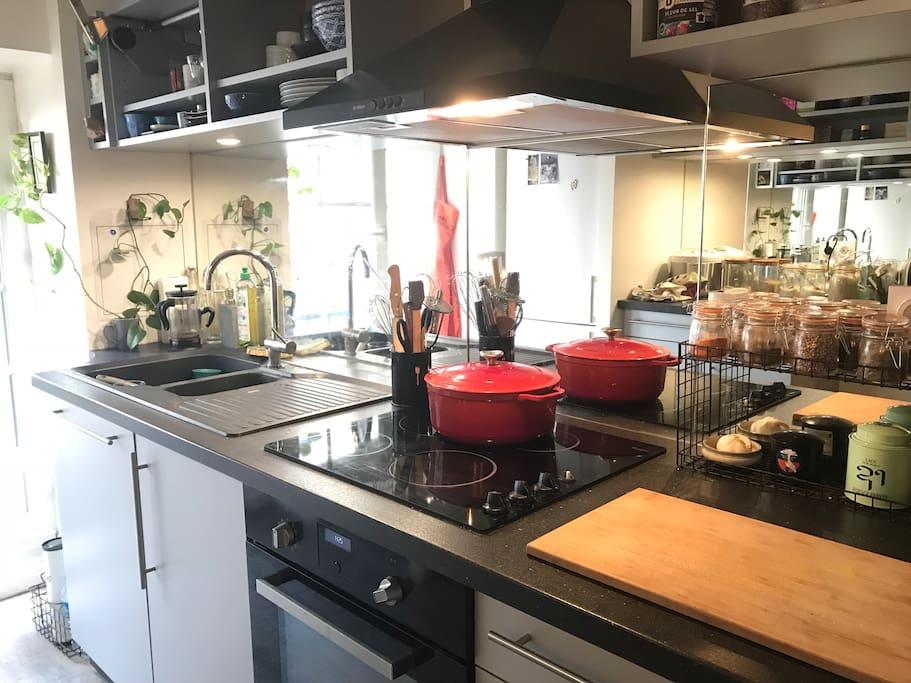 Toute la cuisine est équipée pour toutes sortes de préparations, ainsi que de quoi petit-déjeuner.