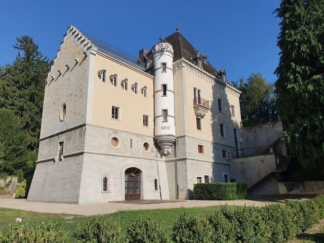La vie de Château à portée de clic