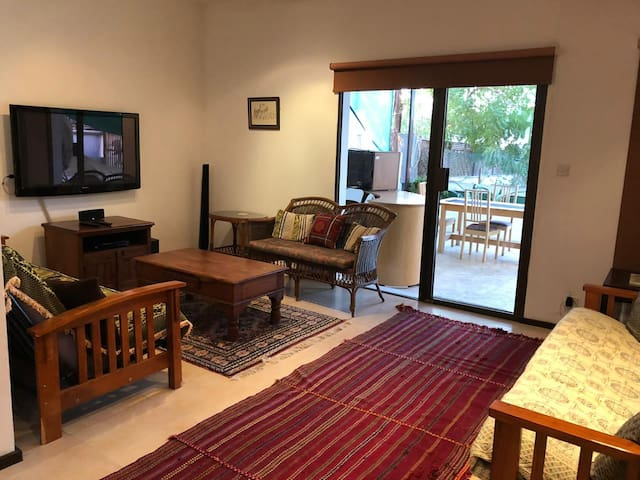 Quiet house in Muscat near MQ - Fully furnished
