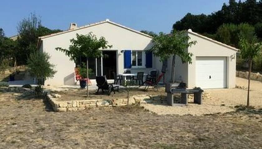 Villa ISSIRAC (Gard) entre l'Ardèche et la Cèze.