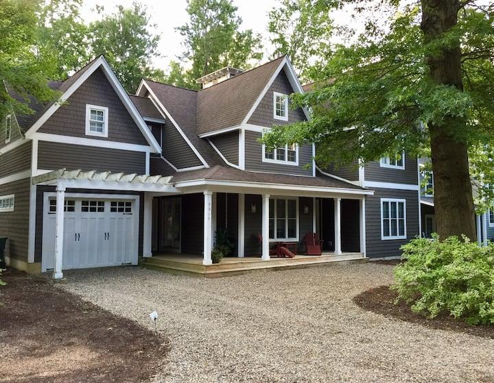 Casa del Sol Lakeshore Cottages /Clubhouse pool!