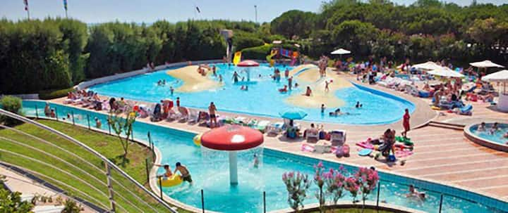 ROULOTTE n. 142 IN CAMPEGGIO UNION LIDO VE