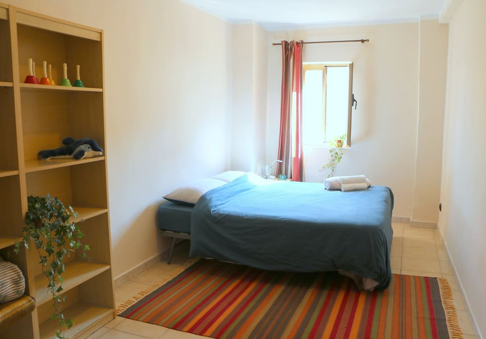 Room version with double bed. We can also provide two separate beds.