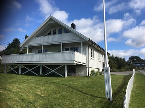 """Spacious summer house Lindesnes, close to """"Under"""""""