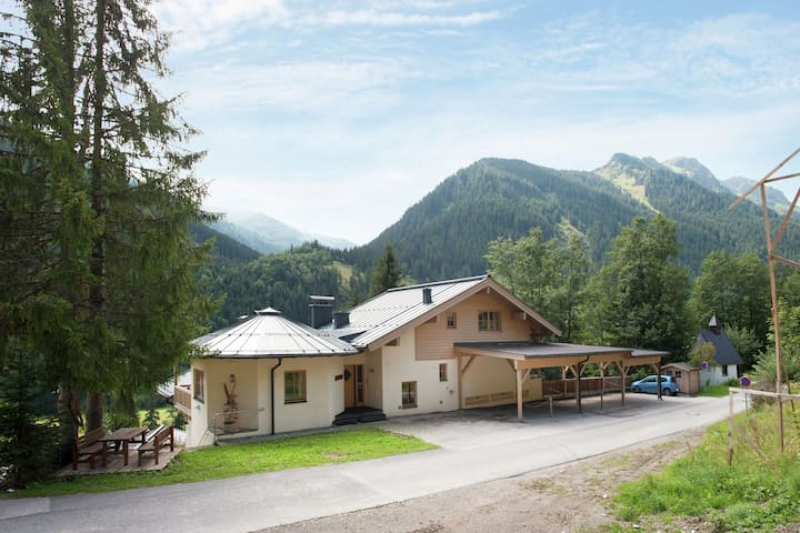 Luxurious Holiday Home in Salzburg with Sauna