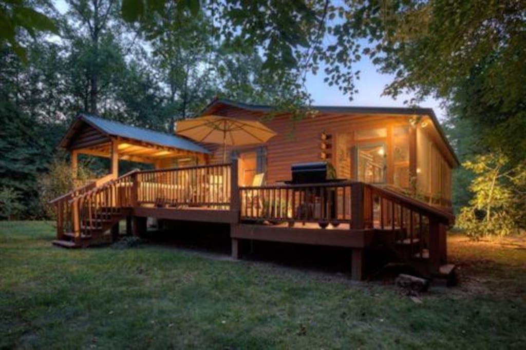 Hide n creek chalet in affitto a mineral bluff georgia for Branson cabin rentals 4 camere da letto