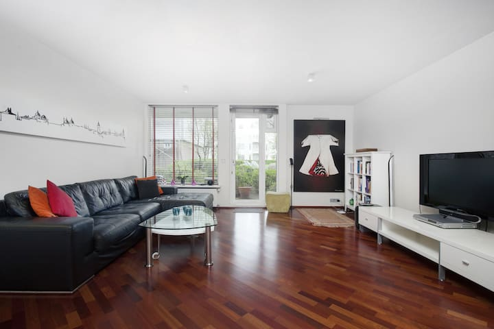 Lovely 2BR apartment in a beautiful harbour area