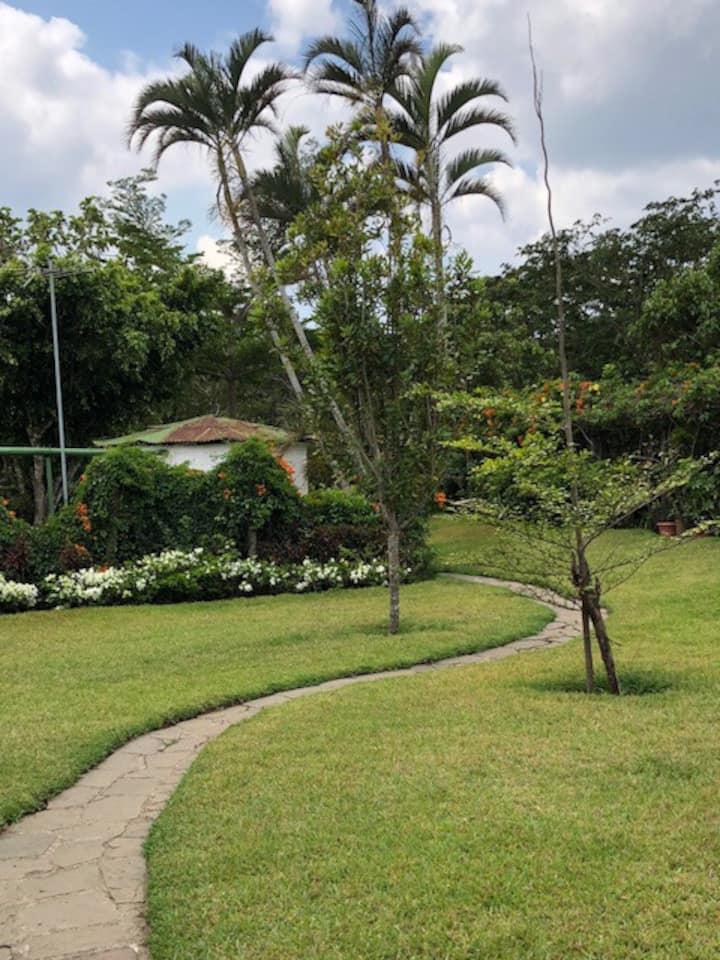 Casa de Campo Ruta  las Flores Salcoatitan