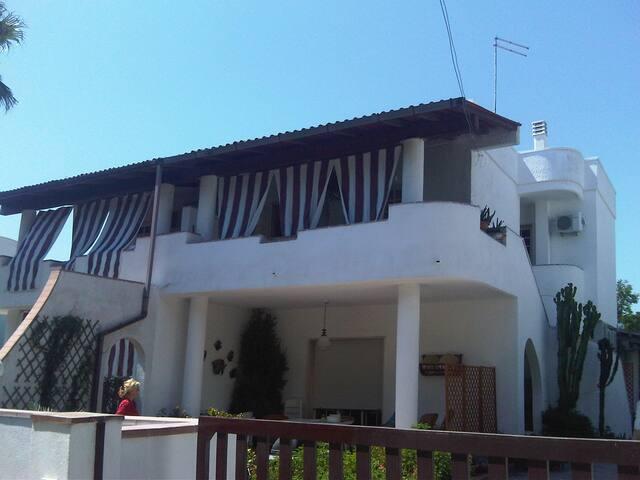 Casa Stefania dx  veranda coperta a 60 m dal mare - Campomarino - Alojamiento vacacional