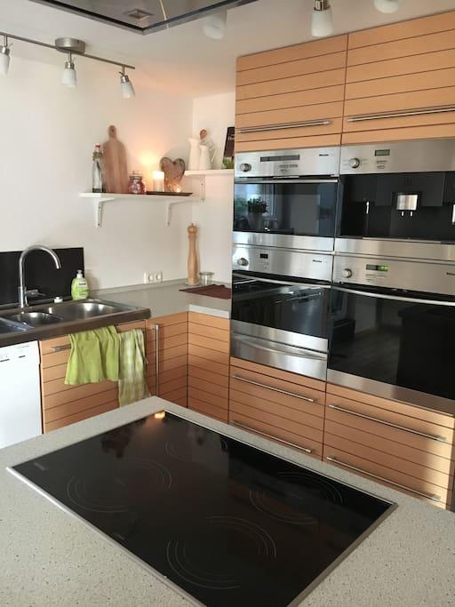 Küche ist top ausgestattet.  Hier findest du alles, was dein Herz begehrt.