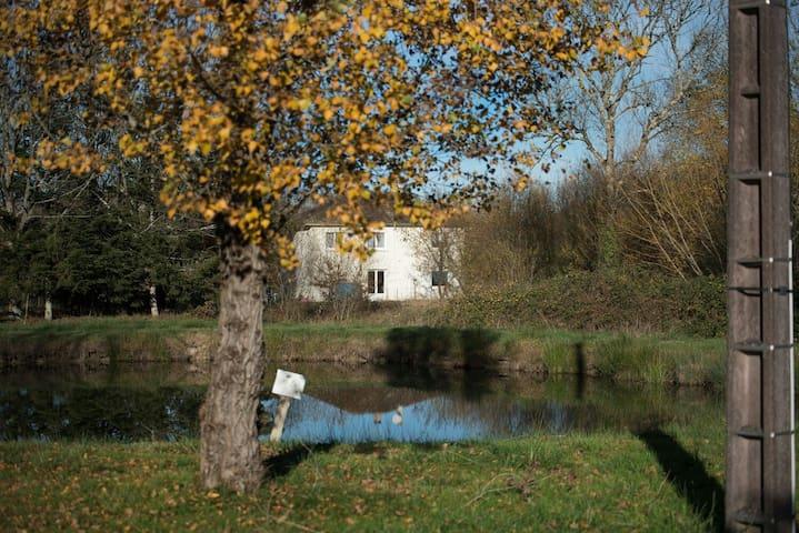 Entre Perigord et Saint Emilion - Échourgnac - Rumah