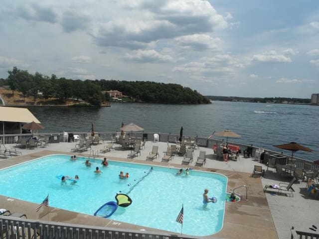Lake of the Ozarks - SWS Resort - Lake Ozark - Condominium