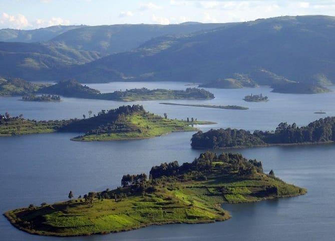 Lake Bunyonyi Eco Resort, Kyahugye Island