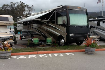 36 ft Motorhome for Superbowl week - 伍德兰(Woodland)
