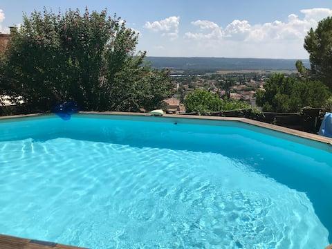 Appartement au calme avec accès piscine