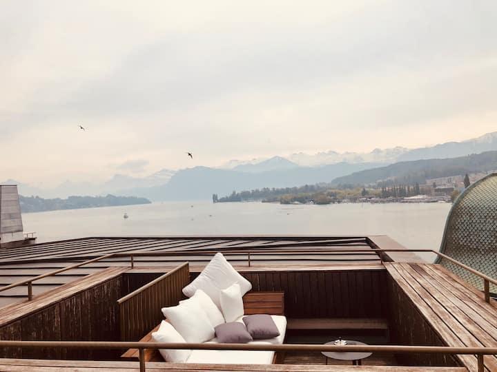 Panoramic Lake View Penthouse 2D