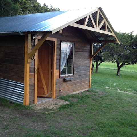 Private Getaway country living.  Romantic setting. - Gatesville - Bungalov