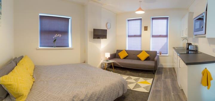 Superior ensuite studio with extra sofa bed