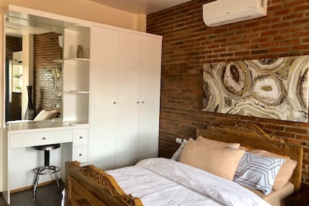 GuestHouse w/Motorbike Rental free Airport Pick-up