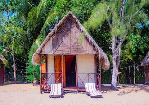 Bonito y ACOGEDOR bungalow junto al mar