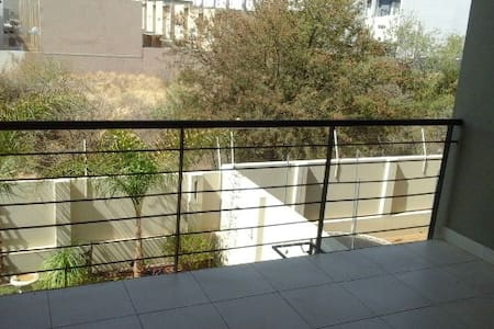 Love self catering- Private room - Windhoek - Wohnung