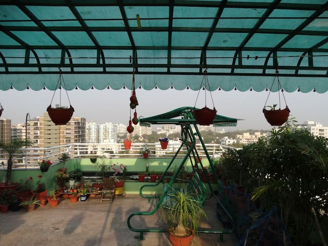 *****Luxuria-Terrace garden Homestay...!!! - Ahmedabad