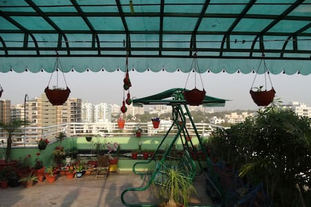 *****Luxuria-Terrace garden Homestay...!!! - Ahmedabad - 公寓