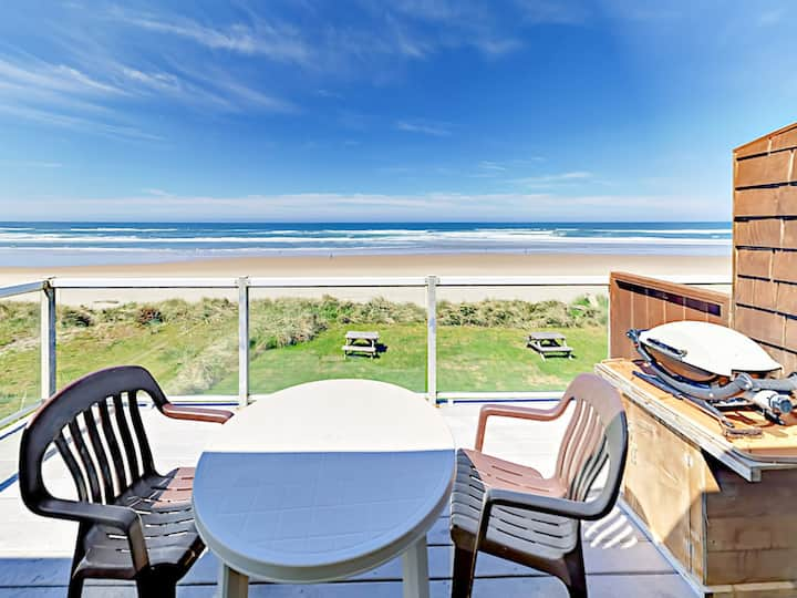 Beachfront 1BR w/ Private Balcony