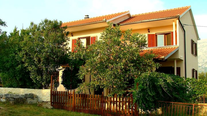 Holiday Home Maja, Vrlika Croatia
