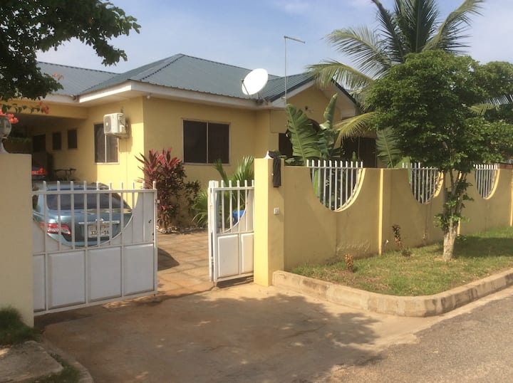 2 Private rooms in Tema comm. 25
