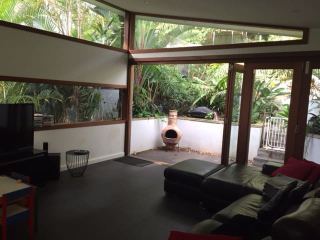 Large 3 bed family home near beaches - North Manly