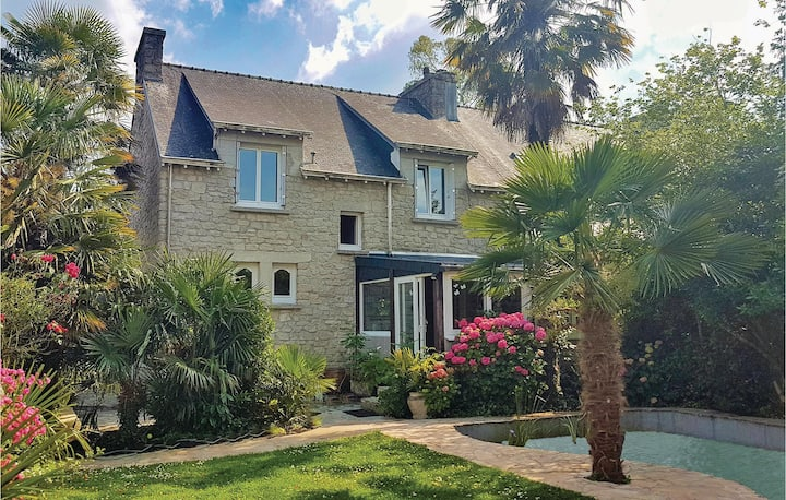 Beautiful home in La Forêt Fouesnant with WiFi and 5 Bedrooms