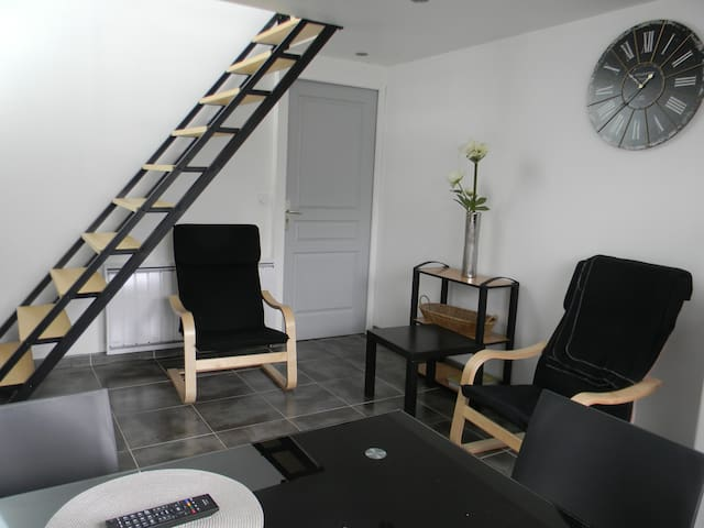 logement confortable a 20 mn des plages - Prat - Leilighet