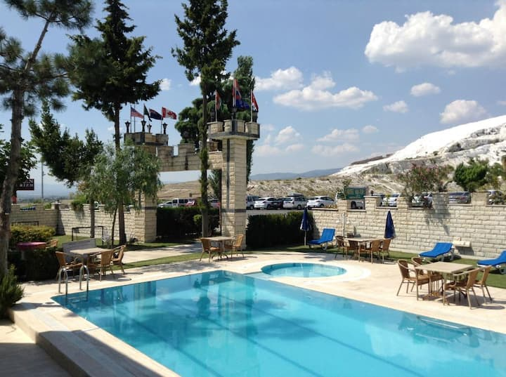 HAL-TUR BOUTIQUE Quadrouple Room / Pamukkale View