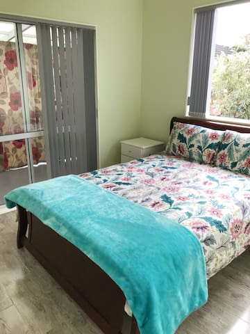Clean room in quiet convinient location (B22)