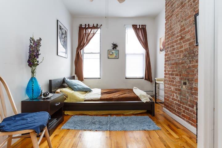 2 BEDROOM! Sunny apt :) 15min toNYC - Hoboken - Appartement