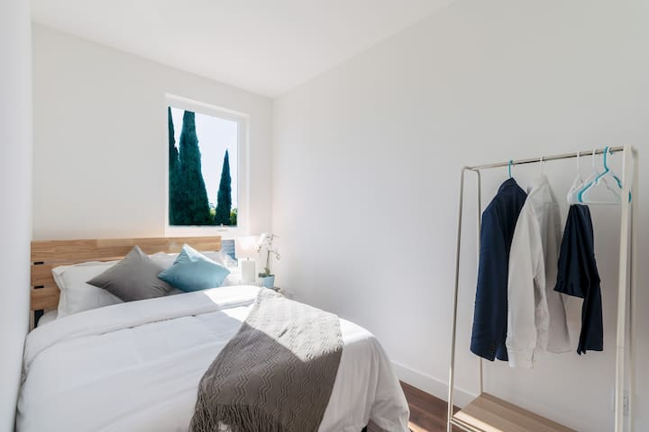 Private bedroom in modern home in Hollywood