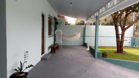 Casa Maridu - aconchegante e ampla área externa.